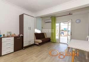 Renoviran stan u Herceg Novom