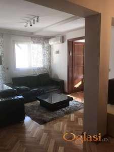 Trosoban stan u blizini Fon-a ID#1036