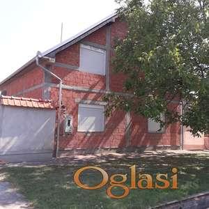 Prodaje se Kuća 200m2 u Uljmi, ul. Laze Ranića sa placem od 24.42 ara