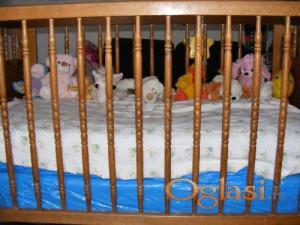 Prodajem dva krevetića za bebe bez dušeka