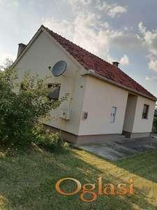 Na prodaju novija kuća sa okućnicom i baštom