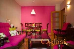 Hitno!!! Predivan dvosoban stan, prazan ili namešten, moguć dogovor oko cene.