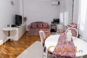 Odličan jednoiposoban stan Grbavica 330€ !!!
