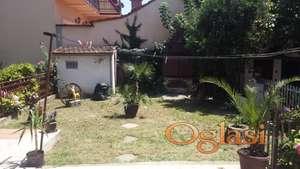 Porodicna kuca u samom centru Sr Kamenice