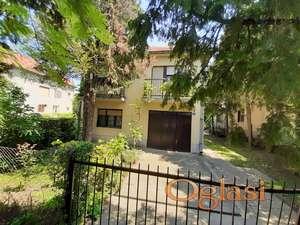Kucu od 120 m2 prodajemo