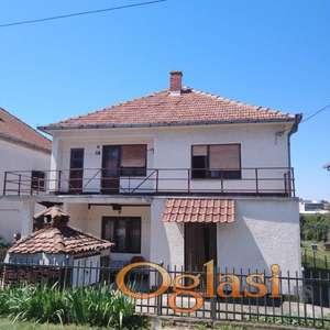 Prostrana kuća u Mladenovcu, Srbija, 62.000e