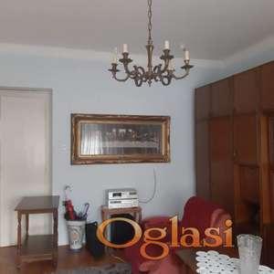 Odličan salonski stan! 021/544-624