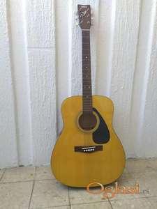 Yamaha akusticna gitara F310P