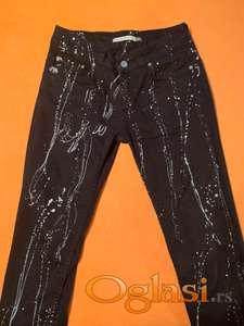 Atraktivne pantalone za devojčice