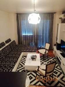 Odličan stan u samom centru Petrovaradina.