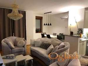 Prodajemo stan-Vojislava Ilica, pametna zgrada, luksuzan