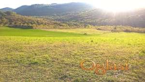 Građevinsko zemljište placevi:18,05 a i 26,62a, vlasnik, Ledinci, Fruška gora-Novi Sad