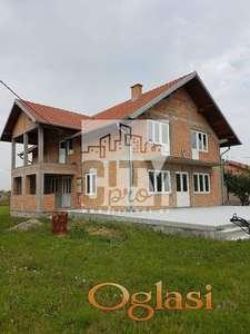 Nova kuća od 250m2 na 10 ari placa u Ovči ID#1223