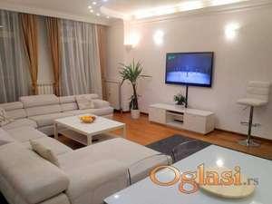 Prodaja stanova Beograd-Trosoban stan,uknjizen,novogradnja,garaza.