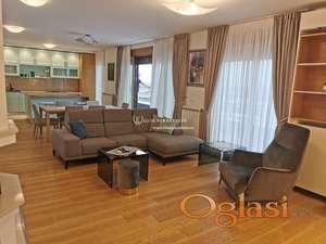 Izdavanje-Luksuzni stanovi u Central Gardenu-Lux stan penthouse sa 2 garažna mesta