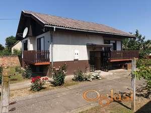 Beska-Prodajem kucu HITNO u Beški dobra lokacija