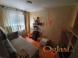 Odličan uknjižen stan u blizini Novosadskog sajma