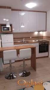 Nov LUX opremljen stan u Zrenjaninu