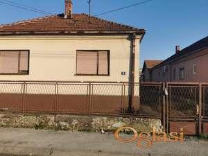 Prodajem plac u Stjenickoj ulici u Cacku
