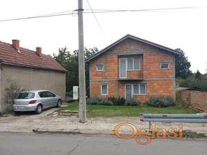 Mačvanska Mitrovica kuća pored reke