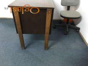 Radni kancelarijski stolovi