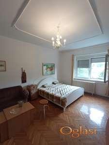 Retko u ponudi, u blizini  Dunava u Ul.  Maksima Gorkog, jednoiposoban stan 40 m2