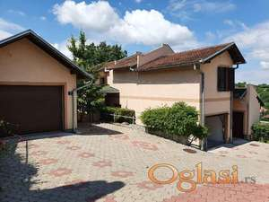 Odlična kuća bez ulaganja,plac 974m2 sa pogledom na N.Sad