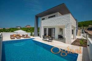 Moderna vila sa bazenom nedaleko od plaze Jaz