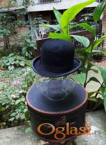 Vintage engleski polu-cilinder Andona Andonovica