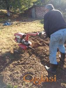 Freziranje, kultiviranje, kultivacija zemljišta-zemlje-terena-bašta-dvorišta...