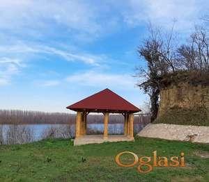 EXKLUZIVAN plac na samoj obali Dunava-Beska