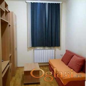 Jednoiposoban namešten stan u centru, CENA SA SVIM TROŠKOVIMA, Novi Sad