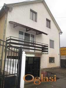 Trosobna kuća sa poslovnim prostorom