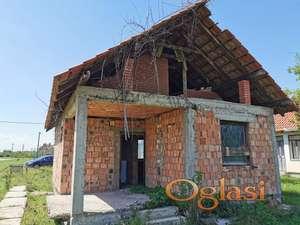 Vikendica (kuća) u blizini Obrenovca (selo Skela)