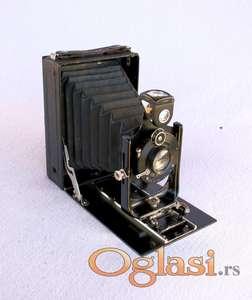 Stari fotoaparat ICA + 4 kasete za foto-ploče.