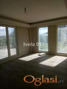 Useljiv nov stan na Petlovom brdu ID#2167