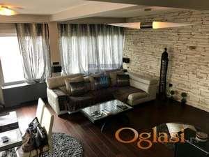 Odličan stan u centru grada! 021/221-5100