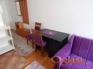 Lepo opremljen stan na Grbavici