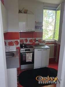 PRODAJA STANOVA  NOVI SAD  DETELINARA  DVOSOBANProdaje se renoviran dvosoban stan na Detelinari na treem spratu Stan se sastoji od dnevnog
