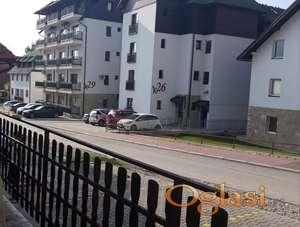 Namesten apartman kod Zlatiborskih konaka sa parkingom!