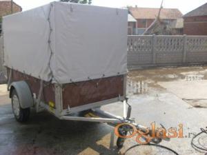 AUTO PRIKOLICA-750kg