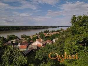 IZUZETNA ! Velika kuća 222 m2  sa divnim pogledom na Dunav, Čerević