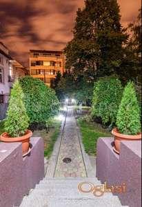 Izdavanje stanova Beograd-Četvorosoban stan sa dvorištem na Vračaru
