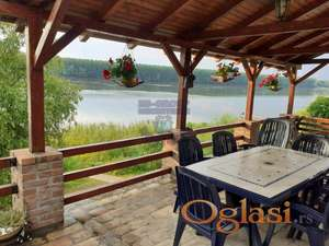 ***Izuzetna kuca iz bajke sa predivnim pogledom na Dunav***