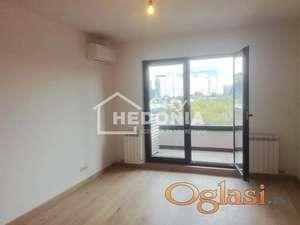 Square, nov, dvosoban stan sa garažnim mestom kod Arene ID#7047