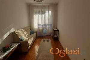 Odličan dvosoban stan na mirnoj i lepoj lokaciji idealnoj za život