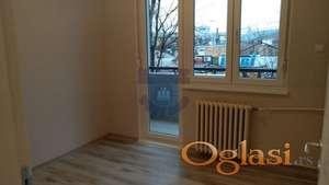 Odličan jednoiposoban komplet renoviran stan na Spensu!!!021/662-0001