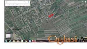 gradjevinsko zemljiste u Novim Karlovcima (Indjija) DOGOVOR