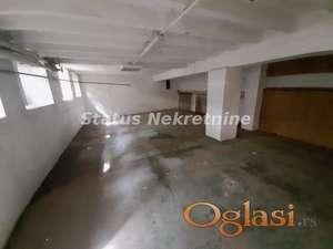 Novi Sad, odličan poslovni prostor-Strogi center-Povoljno