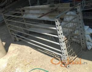 Svinje uklestenje za prasenje krmace